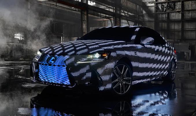 Lexus'tan dünyanın ilk renk değiştiren otomobili