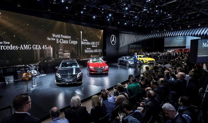 Mercedes'in yeni GLA ve E Coupesi görücüye çıktı