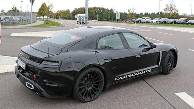 Porsche'nin elektrikli otomobili görücüye çıktı