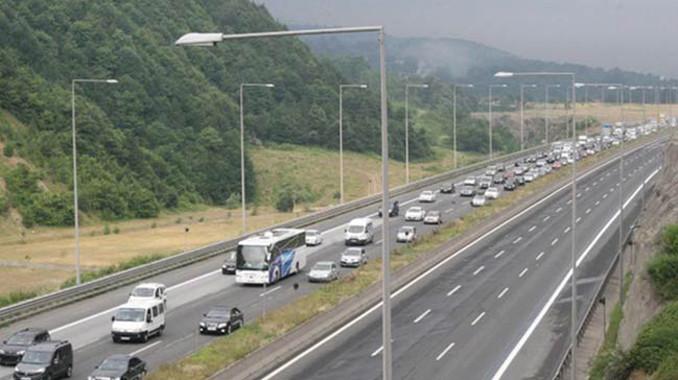 Anadolu Otoyolu'nun İstanbul istikameti 3 gün trafiğe kapalı