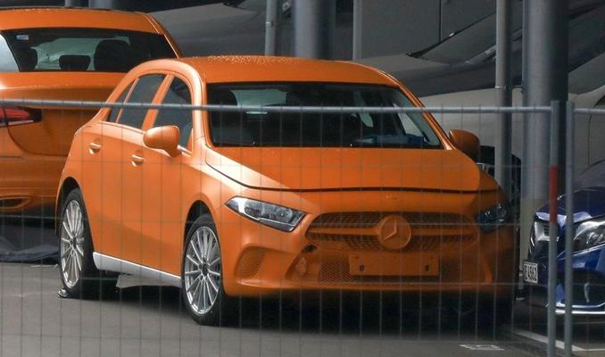 Yeni Mercedes A serisi kamuflajsız yakalandı