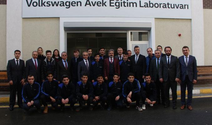 Laboratuvar açıldı! Volkswagen teknisyenlerini yetiştiriyor