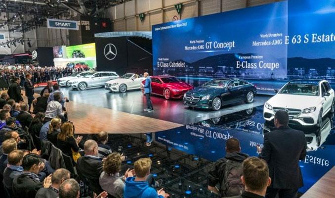 Mercedes-Benz yeni yıldızlarını Cenevre'de tanıttı