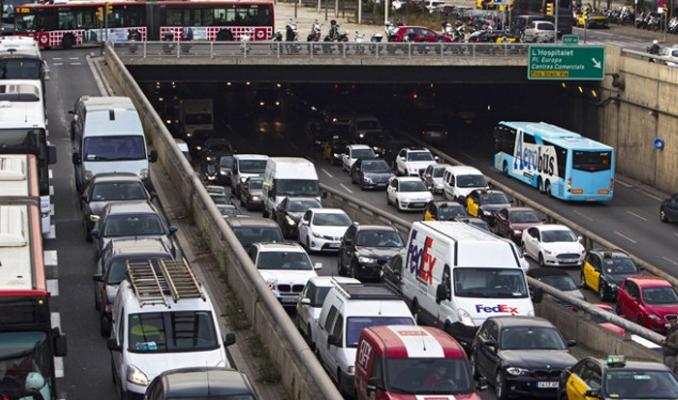 Trafiğe 2 ayda 178 bin araç eklendi