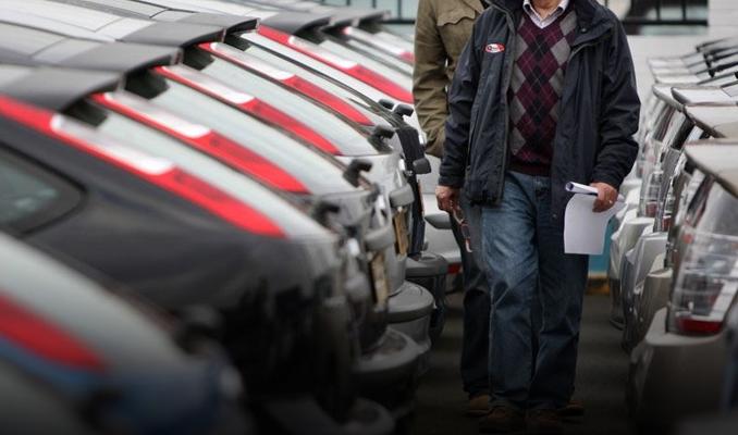 Otomobil ve hafif ticari araç satışlarında sert düşüş