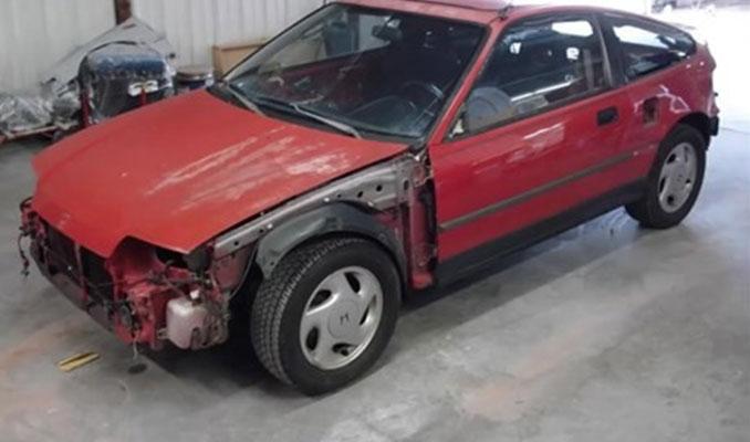 Honda CRX model aracını tepeden tırnağa değiştirdi