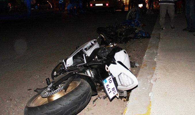 Feci motosiklet kazası: 2 ölü 1 ağır yaralı