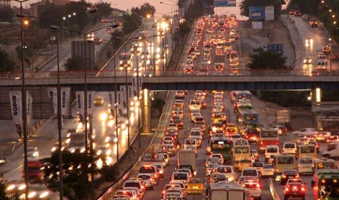 İstanbul trafiği zirveyi zorluyor