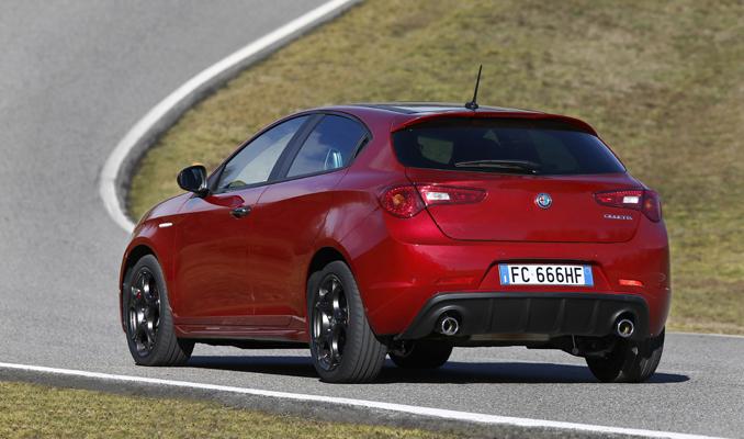 Alfa Romeo'dan 10 bin TL'lik takas indirimi