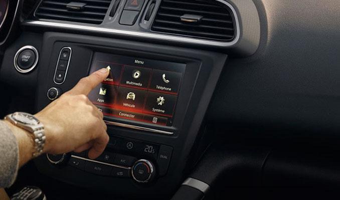 Otomobiller elektronik cihazlara dönüştü