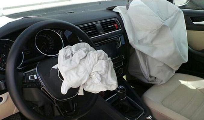 Lüks otomobilde hava yastığı dehşeti