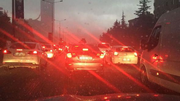 İstanbul'da trafik durdu! Avrasya Tüneli kapatıldı