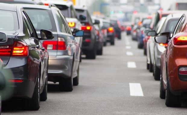 Fransa dizel ve benzinli otomobil satışını yasaklıyor