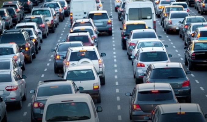 Trafiğe ilk 6 ayda 600 bin yeni araç