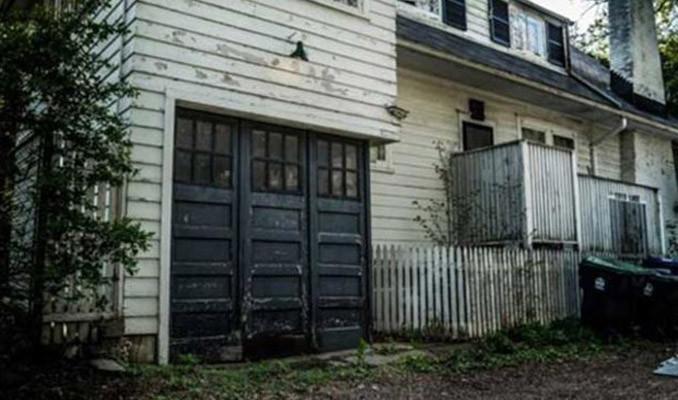 Satın aldığı evin garajından 2.5 milyon dolarlık araba çıktı