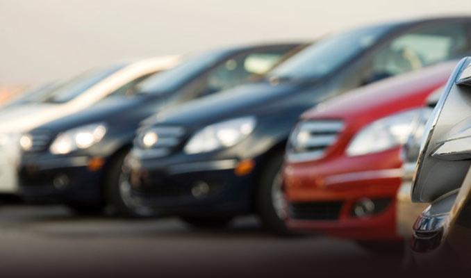 Otomobil satışları Ağustos'ta hafif arttı