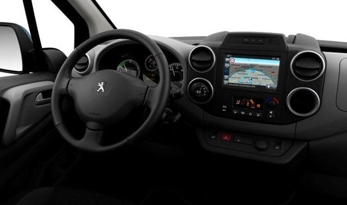 Peugeot 2025'e tüm modellerini elektrikli yapacak