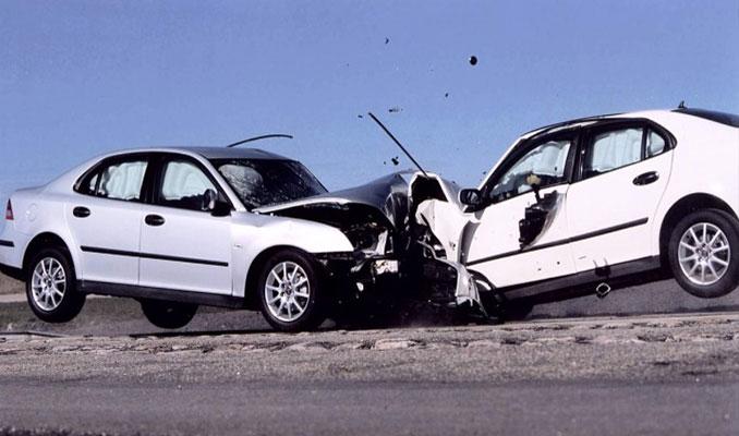 Araba kazaları nasıl önlenir?