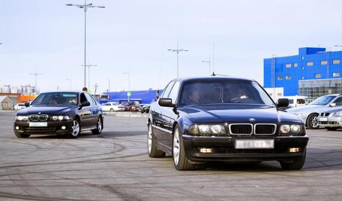 İkinci el lüks otomobil fiyatlarında muazzam düşüş