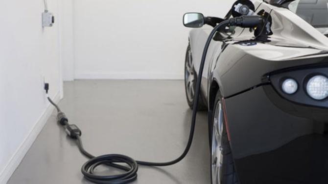 Almanya'dan elektrikli otomobil bataryasına dev bütçe