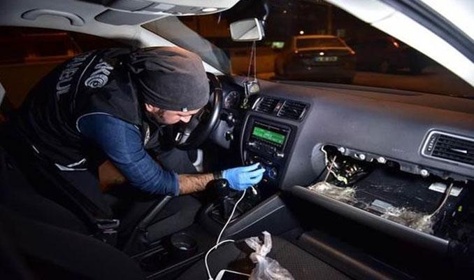 Lüks araçta uyuşturucu düzeneği