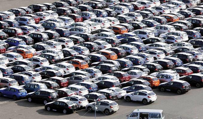 Otomotivciler gümrükteki araçları için ek süre istiyor