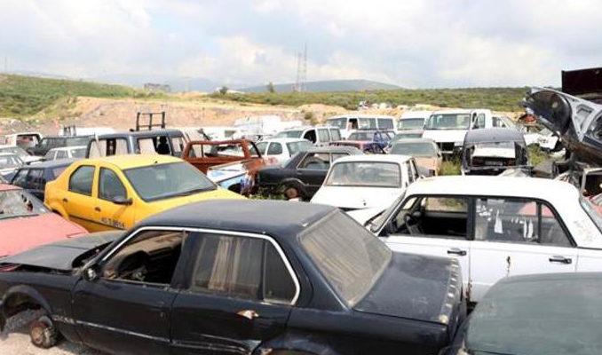 İzmir'de 'terk edilmiş araçlar' kaldırılacak
