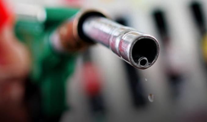 Benzin satışları Kasım'da azaldı