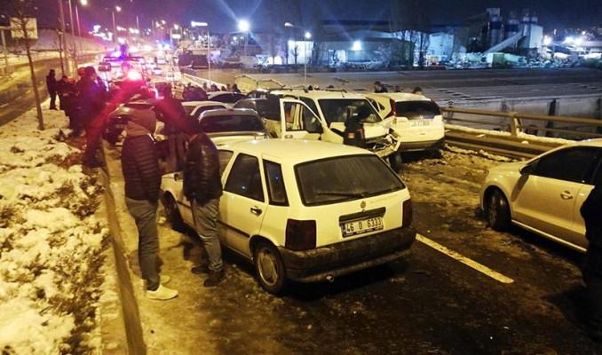 Ankara'da 28 araç birbirine girdi