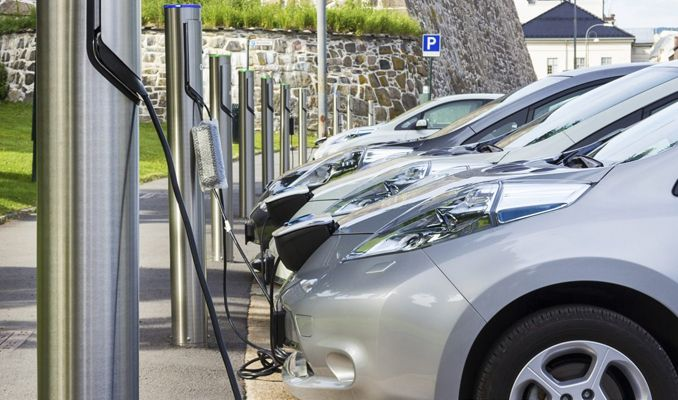 2040'ta yollarda 320 milyon elektrikli otomobil olacak