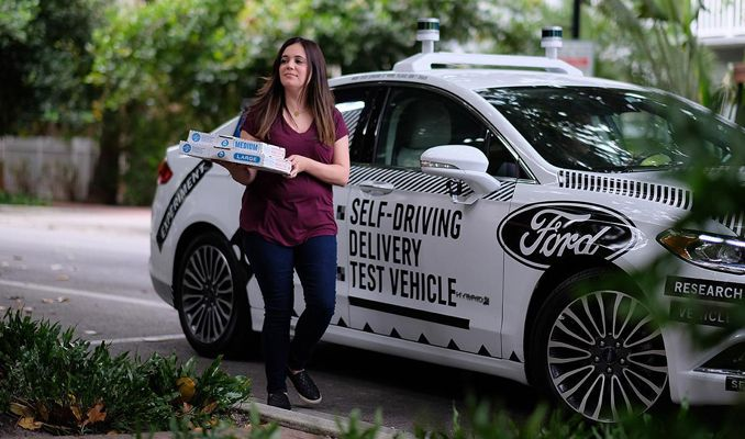 Sürücüsüz otolarla pizza servisi başladı