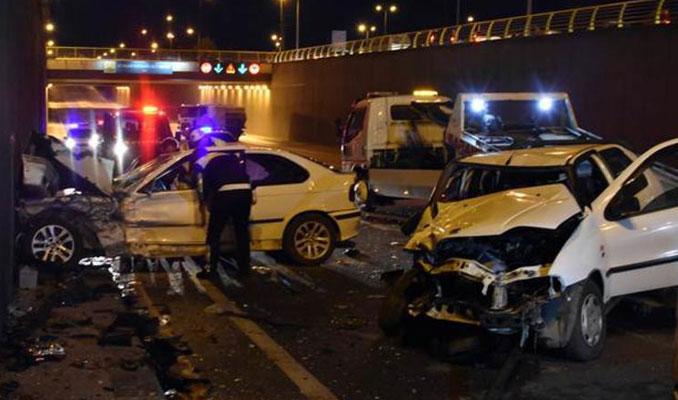 Alkollü sürücü zincirleme kazaya yol açtı: 7 yaralı