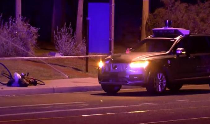 Uber'in sürücüsüz aracının kaza anı yayınlandı!