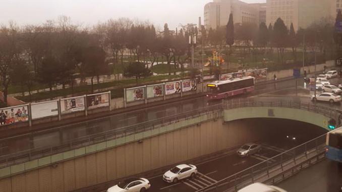 İstanbul'a çamur yağdı! Bir tek onlar sevindi...
