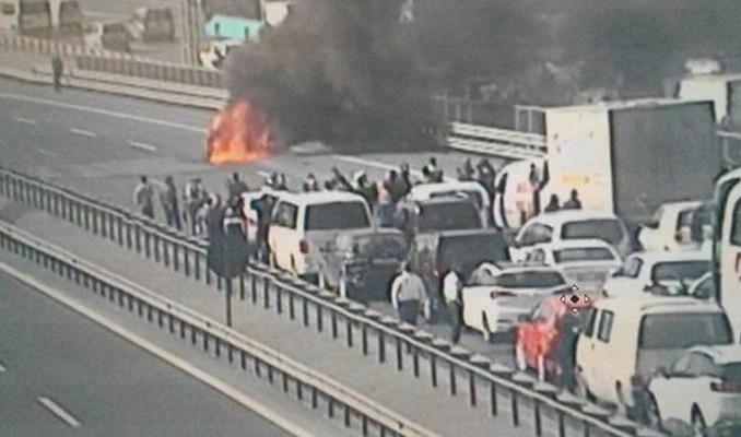 TEM Otoyolu'nda araç yangını