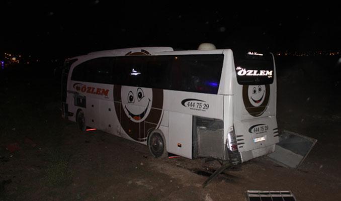 Otobüs şarampole düştü: 18 yaralı