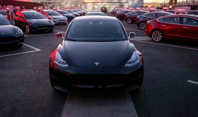 Tesla'nın 78 bin dolarlık lüks modeli geliyor