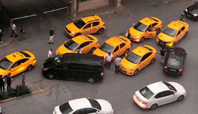 Polis her yerde o taksicileri arıyor...