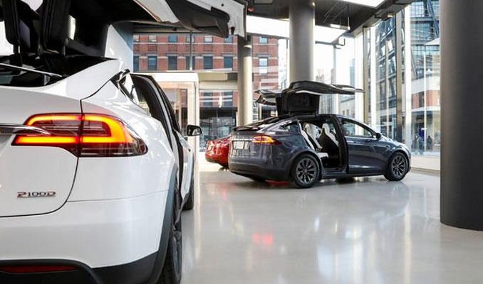 Elon Musk yeni otomobil için tarih verdi