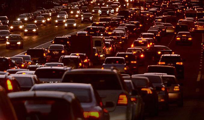 Trafiğe kayıtlı araç sayısında rekor artış