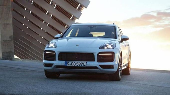 Porsche Cayenne E-Hybrid yollarda!
