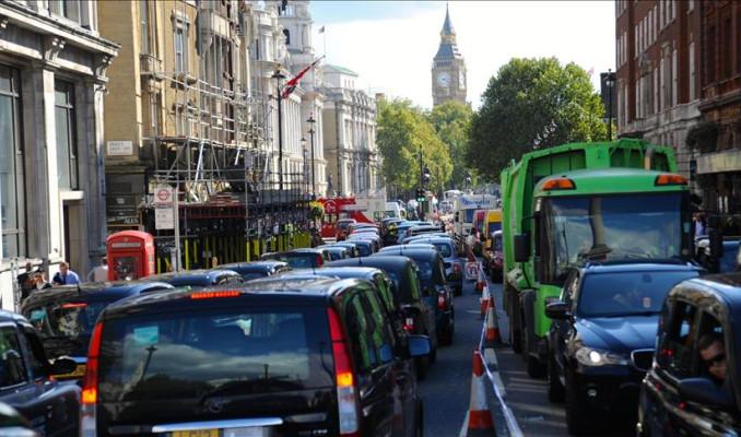 Uber Londra'daki hizmet lisansını geri kazandı