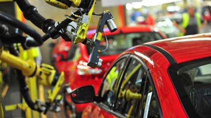 İngiliz otomotiv sektöründe yatırımlar düştü
