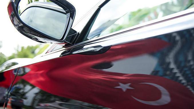 Bakan Özlü yerli otomobilin detaylarını açıkladı