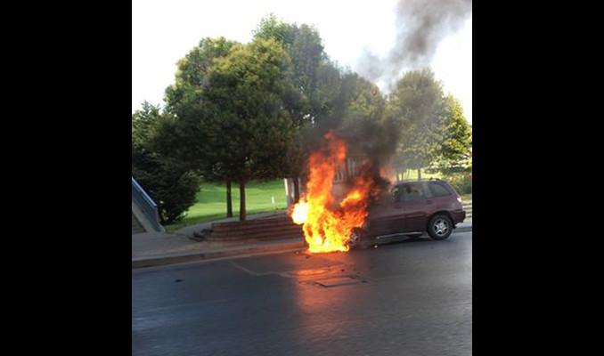 E-5'te trafik kilit! Alev alev yanıyor