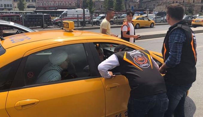 Turizm polisinden taksilere dev denetim