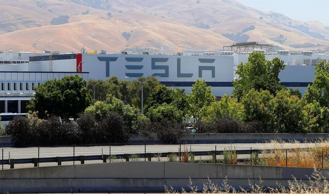 Tesla hacklendi