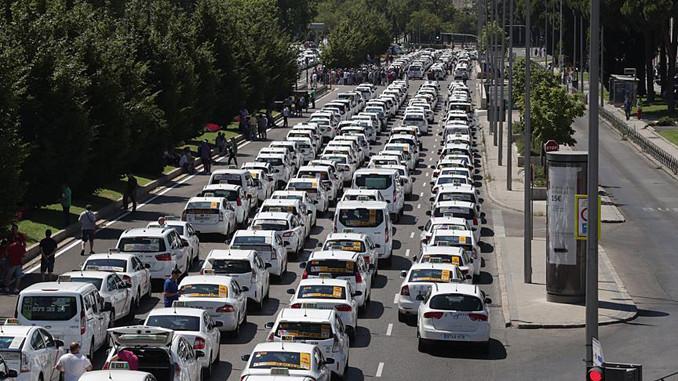 Taksicilerin Uber grevi sonuçsuz kaldı