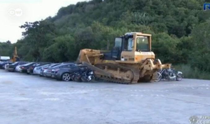 Lüks araçları böyle imha ettiler