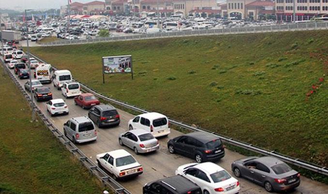 TEM Bolu mevkinde trafik yavaşladı
